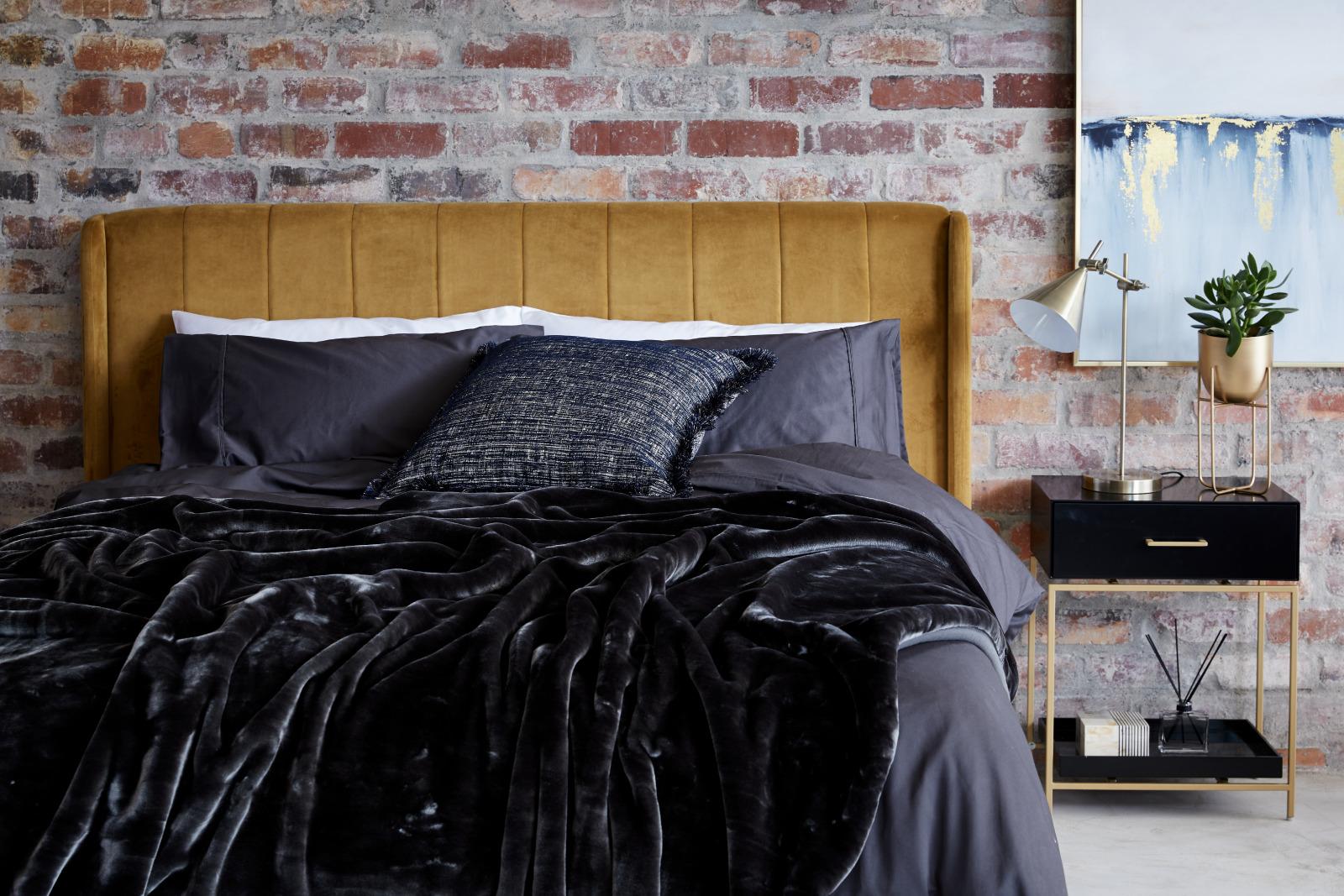 5 WAYS TO CREATE YOUR SLEEP SANCTUARY